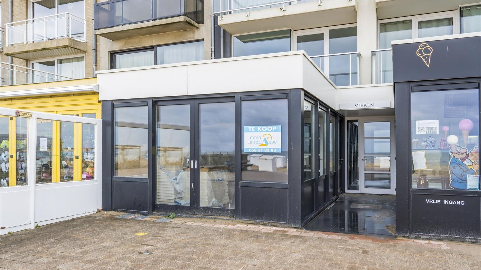 Individual shop for sale in Koksijde